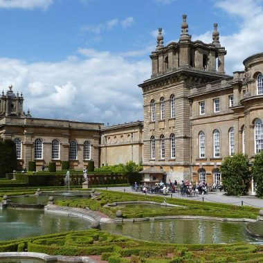 Churchill: Driving Tours to Blenheim Palace and Chartwell House