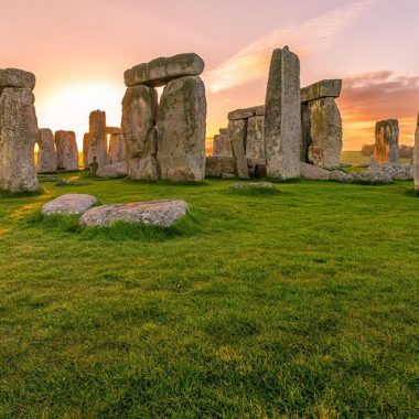 West of England Tour: Stonehenge, Lacock, Bath and Dorset
